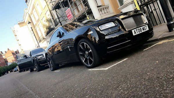 rolls-royce-on-the-street