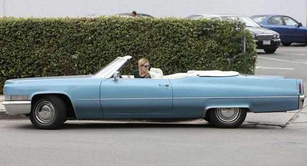 Cadillac-De-Ville-Convertible-with-Mischa-Barton