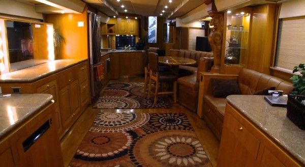 inside-will-smith-mobile-home