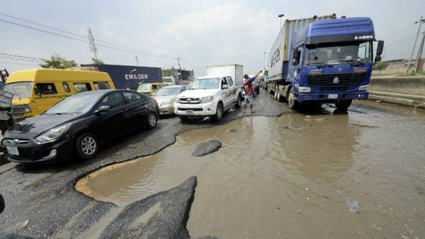 nigerian-road-potholes