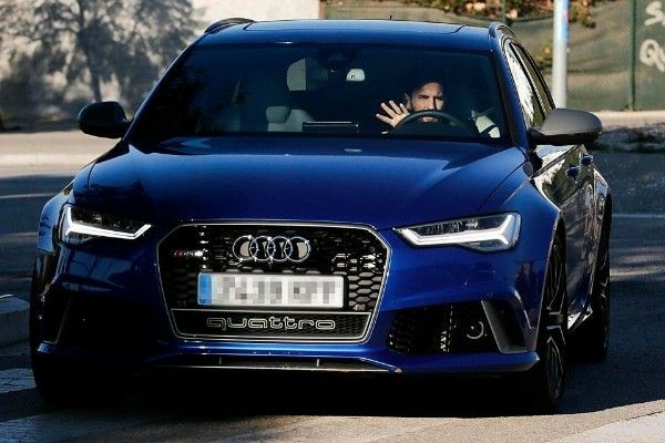 Barcelona-star-Lionel-Messi-spotted-in-his-Audi-RS-6-Avant