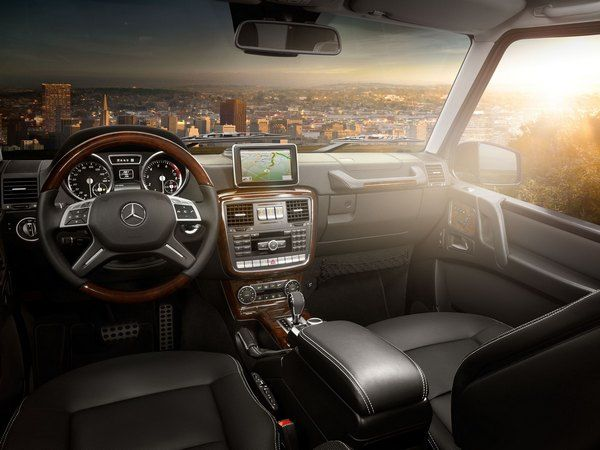 Interior-of-the-Mercedes-Benz-G550-SUV