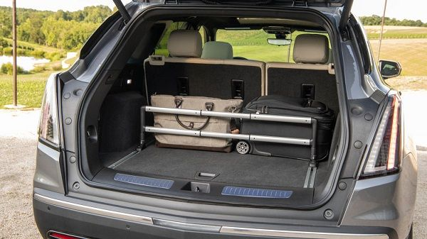 Trunk-of-2020-Cadillac-XT5-Sport