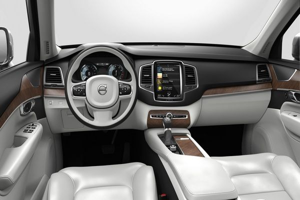 volvo-xc90-dashboard-view