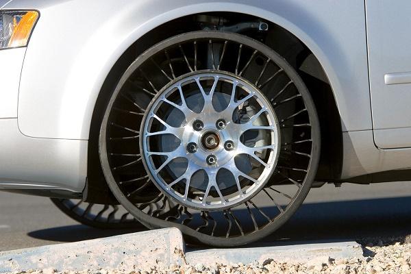 Michelin-tweel-tyre-fixed-on-car