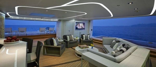 General-area-of-super-yacht