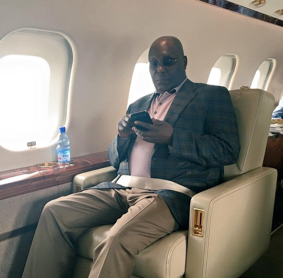 atiku-abubakar-in-his-jet