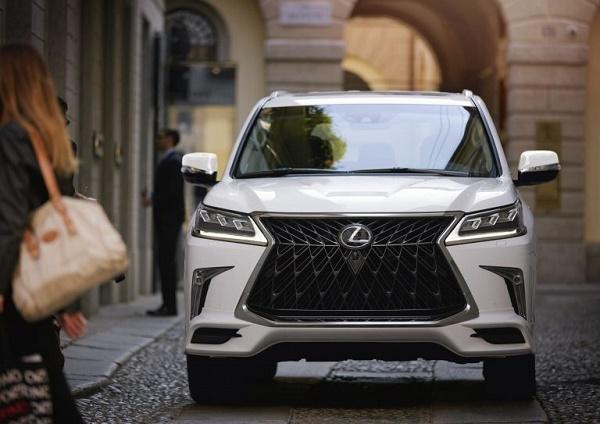 2020-Lexus-LX-570