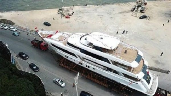 Jackie-Chan-new-150ft-luxury-superyacht