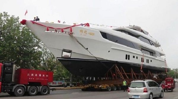 luxury-superyacht-of-Jackie-Chan