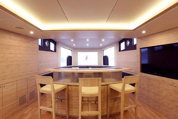 jackie-chan-yacht-interior