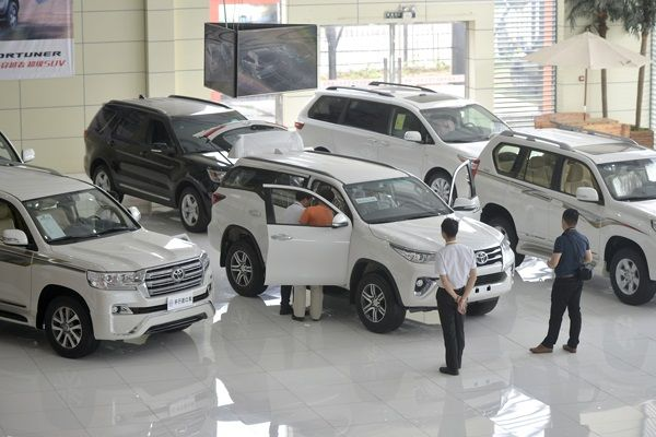 Chinese-car-dealers
