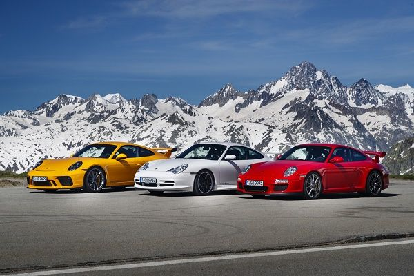 Front-view-porsche-911-GT3-generation
