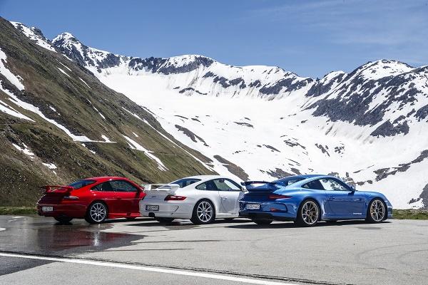 rear-porsche-911-GT3