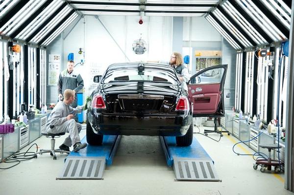 A-Rolls-Royce-team