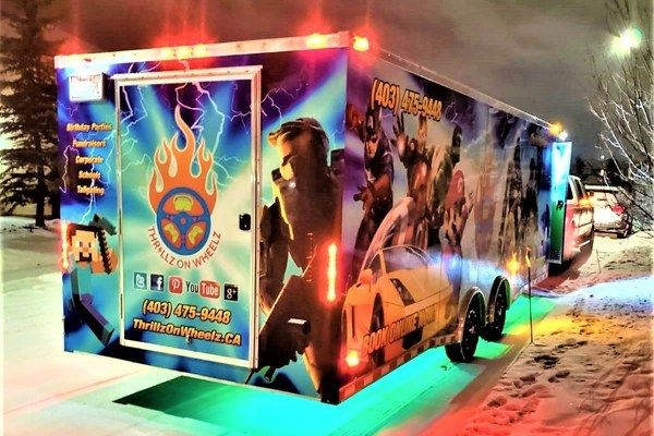 Neon-decals-of-Thrillz-On-Wheelz-mobile-entertainment-theater-02