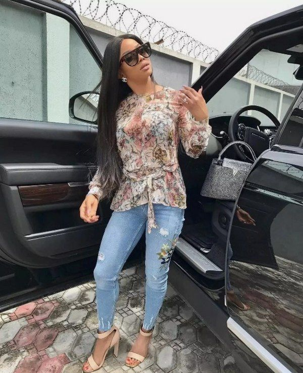 Toke-Makinwa-cars