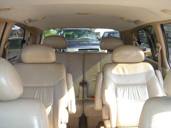1st-gen-Toyota-Sienna-seats