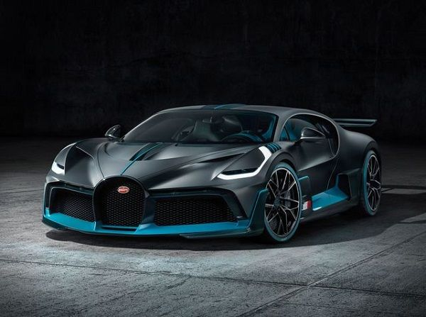 the battle among top bugatti hypercars chiron vs veyron