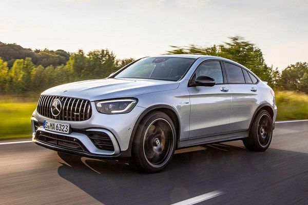 2019-Mercedes-AMG-GLC-63-S-Coupe-in-motion