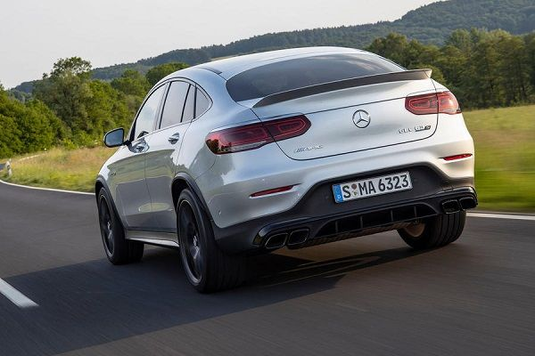 Back-view-of-the-2019-Mercedes-AMG-GLC-63-S-Coupe-in-motion