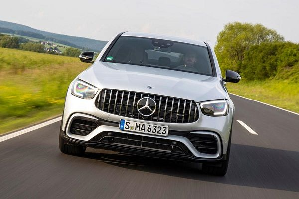 Closeup-front-view-of-the-2019-Mercedes-AMG-GLC-63-S-Coupe