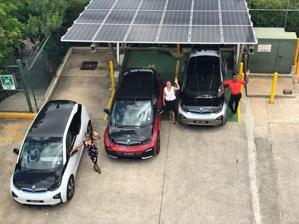 Cars-with-solar-panel