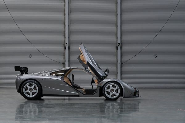 image-of-1994-mclaren-f1-lm-specification-side-view