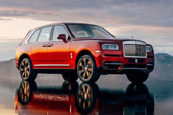 2019-Rolls-Royce-Cullinan-SUV