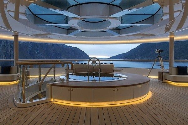 Jacuzzi-inside-Flying-Fox-Mega-Yacht-rumored-to-belong-to-Jeff-Bezos