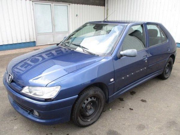 angualr-front-peugeot-306