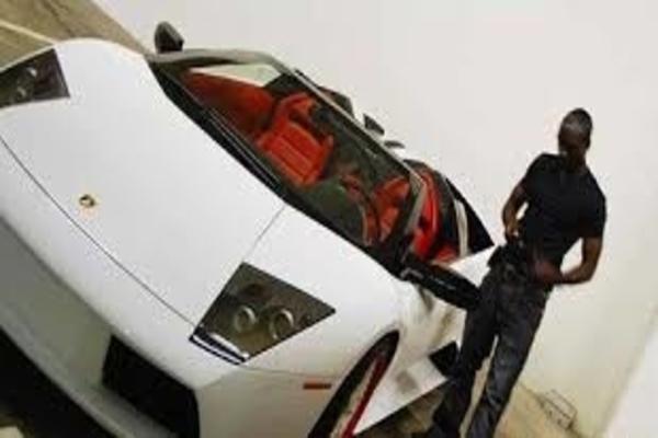 Akon-and-his-Lamborghini-Murcielago