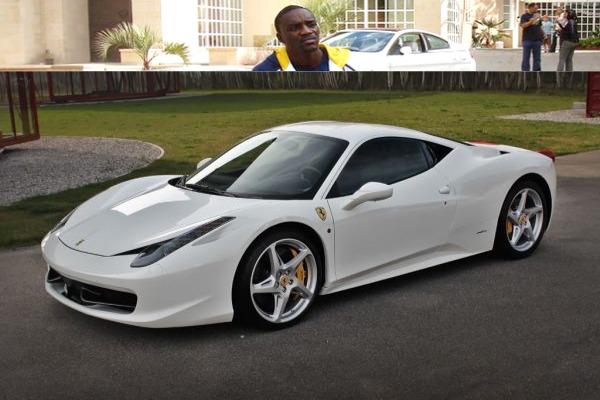 Akon-and-his-white-Ferrari-458