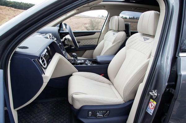 bentley-bentayga-white-interior