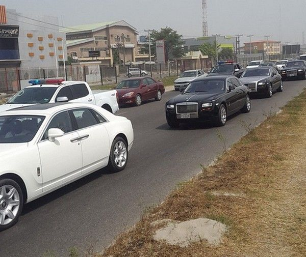 rolls-royce-on-lagos-street