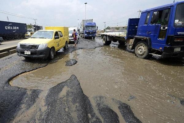a-bad-Nigerian-road