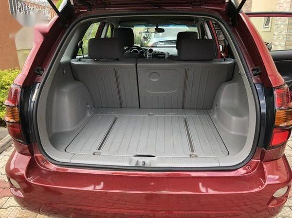 cargo-space-of-the-pontiac-vibe-2005