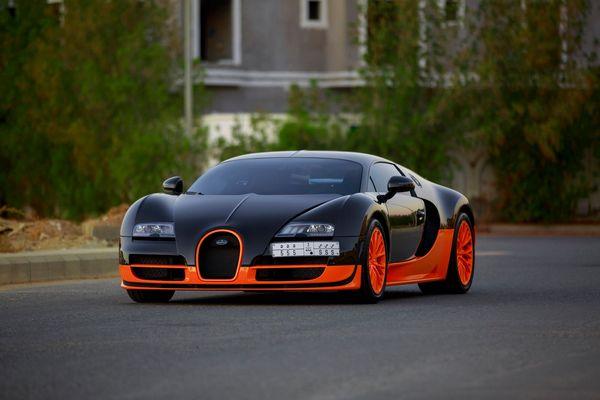 Bugatti-Veyron-Super-Sport