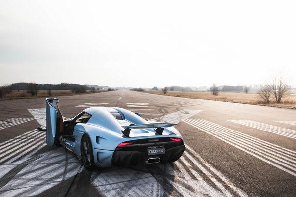 Koenigsegg-Regera-rear