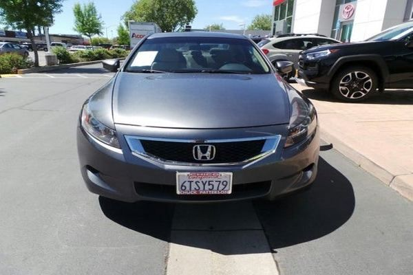 Front-of-the-honda-accord-2010