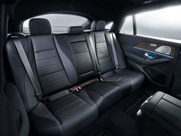 gle-coupe-rear-seat