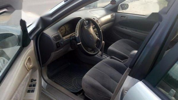 cabin-view-of-toyota-corolla-2002
