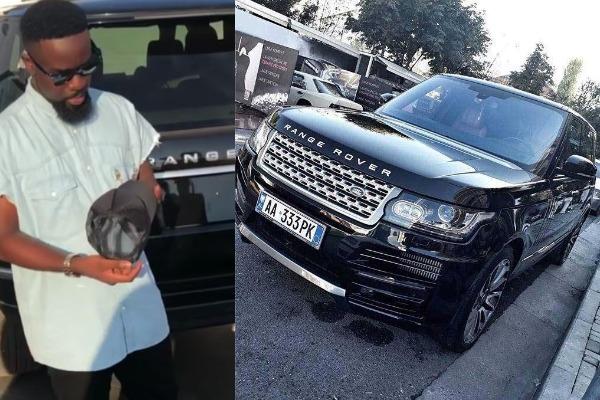 Sarkodie-with-his-Range-Rover-Vogue