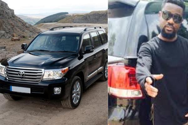 Sarkodie-and-his-Toyota-Land-Cruiser