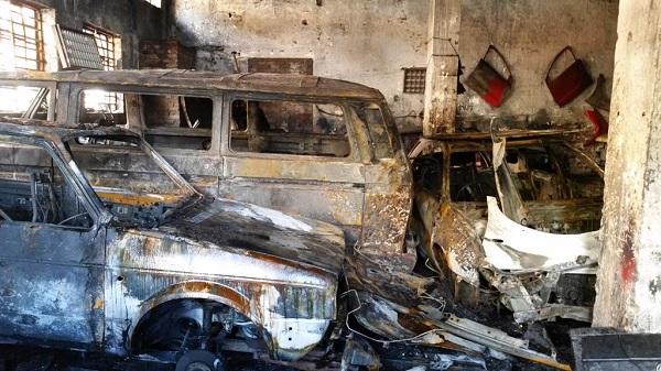 image-of-burnt-down-car-dealership-in-Johannesburg