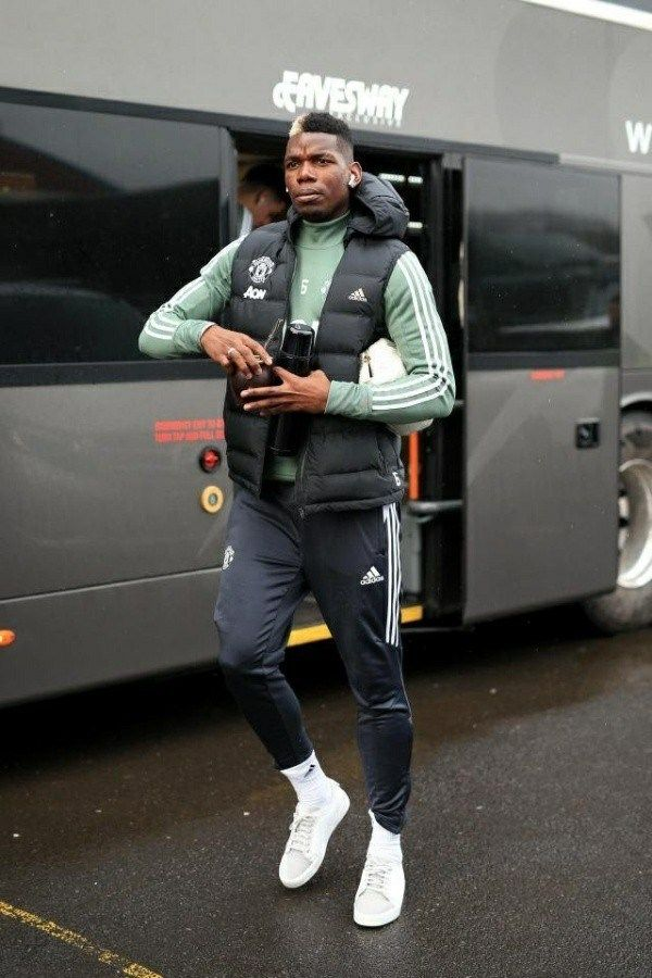image-of-paul-pogba-beside-team-bus