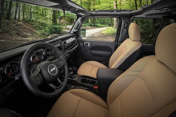 interior-2020-Jeep-Wrangler