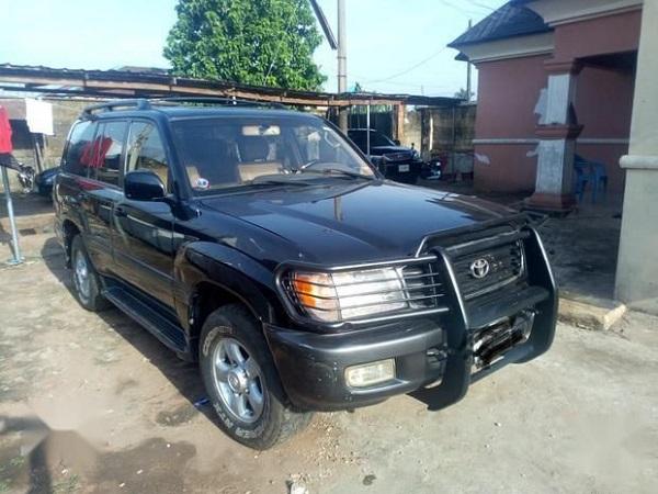 2001-Toyota-Landcruiser-SUV