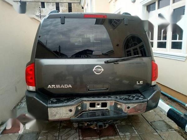 2008-Nissan-Armada-SUV
