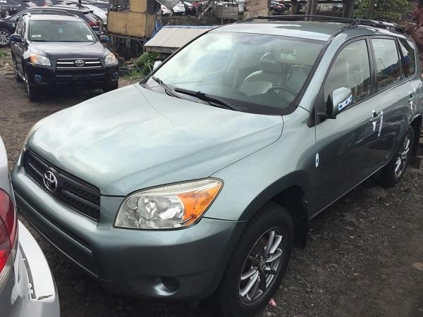 2008-Toyota-RAV4-SUV